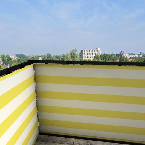 Balkonafscheiding-gestreept-geel.jpg